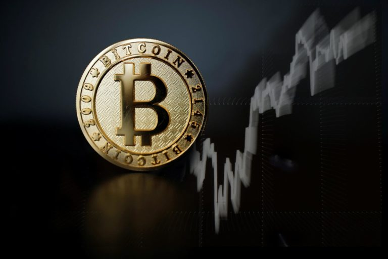 Bitcoin Cross $11K: AMD Graphics Cards About to Disappear?