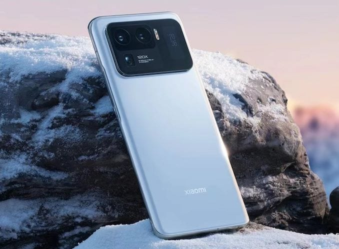 Other than the huge camera bump at the back there's not much to write home about the Mi 11 Ultra's design. Courtesy: AnandTech