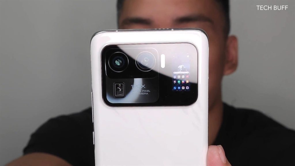 """The crazy new addition is the 1.1"""" AMOLED display at the back that can also become a viewfinder for your back camera. Courtesy: GSMArena"""